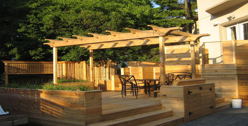 Pergolas are a great way to spruce up your back yard
